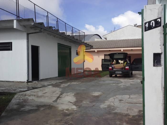 Residencia de alvenaria e salão – Jd. das Américas